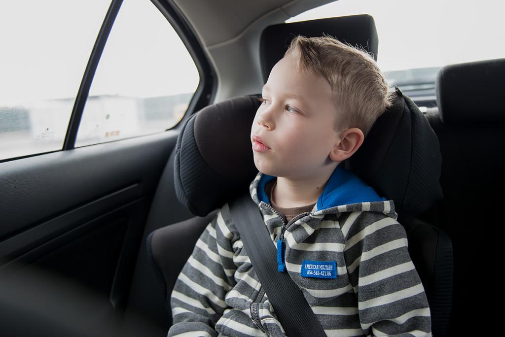 bezpieczeństwo dziecka w samochodzie